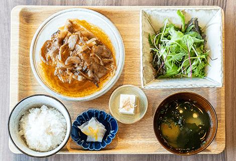 愛媛の果物を使った豚ロース生姜焼き定食